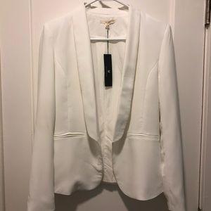 NWT- Le Lis White blazer with lining